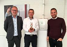 In the photo, seen from the left, are Steen Pedersen from BDO, Daniel Blak from Timedico and Kenneth Bertelsen, from Spar Nord